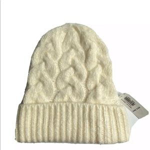 Old Navy Cable Knit Cream Color Beanie NWT